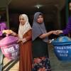 Penyaluran Bak Tempat Sampah Oleh Mahasiswa Ners 5 Kampus Ungu